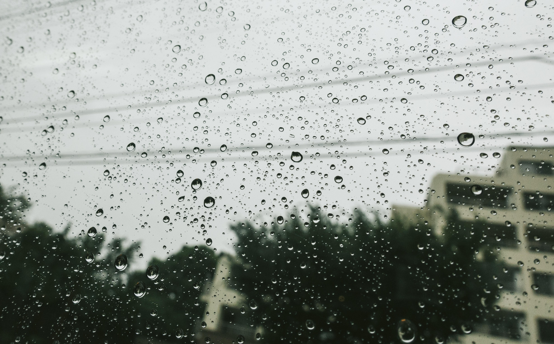 チャットレディは梅雨のシーズンにも断然強い!